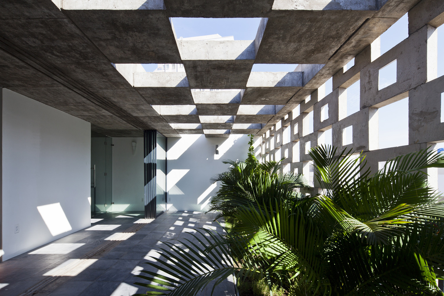 Take a Moment to Enjoy ArchDaily's 12 Most Popular Outdoor Spaces on Pinterest, Binh Thanh House / Vo Trong Nghia Architects + Sanuki + Nishizawa architects. Image © Hiroyuki Oki