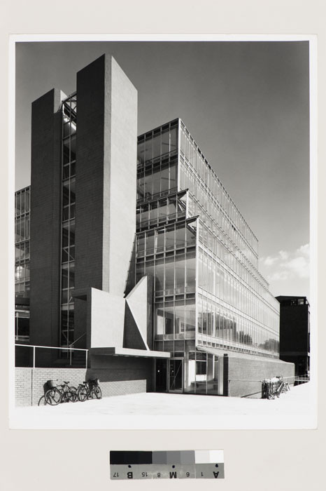 History Faculty Building, University of Cambridge, England (1963–1967). Ezra Stoller, photographer. Image Courtesy of Canadian Centre for Architecture