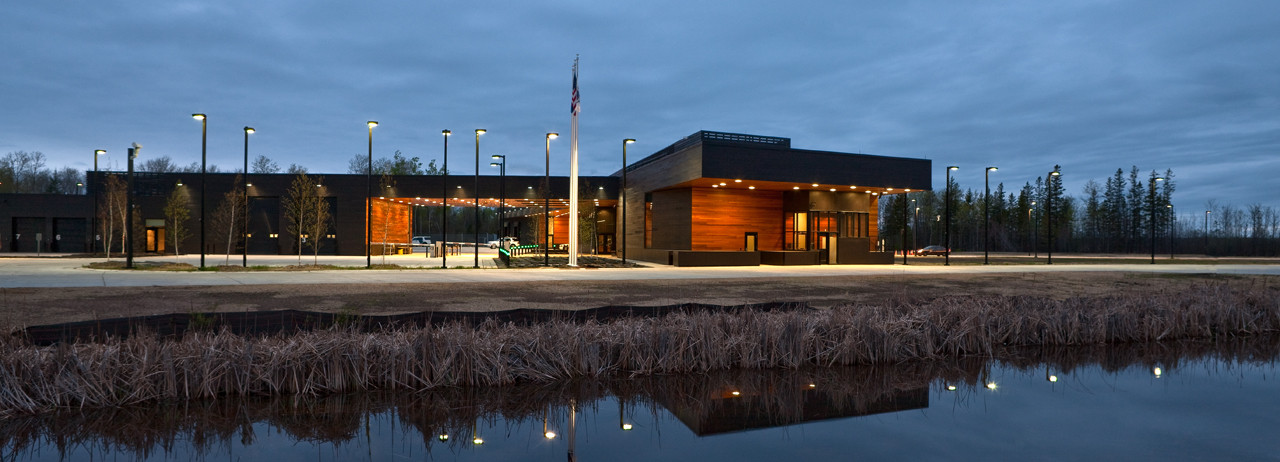 U.S. Land Port of Entry; Warroad, Minnesota / Snow Kreilich Architects, Inc. © Paul Crosby