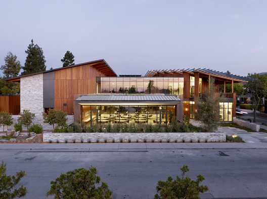 The David and Lucile Packard Foundation Headquarters; Los Altos California / EHDD © Jeremy Bitterman