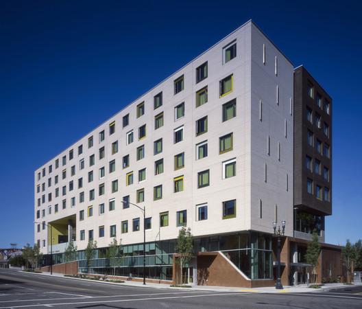 Bud Clark Commons; Portland, Oregon / Holst Architecture © Sally Schoolmaster