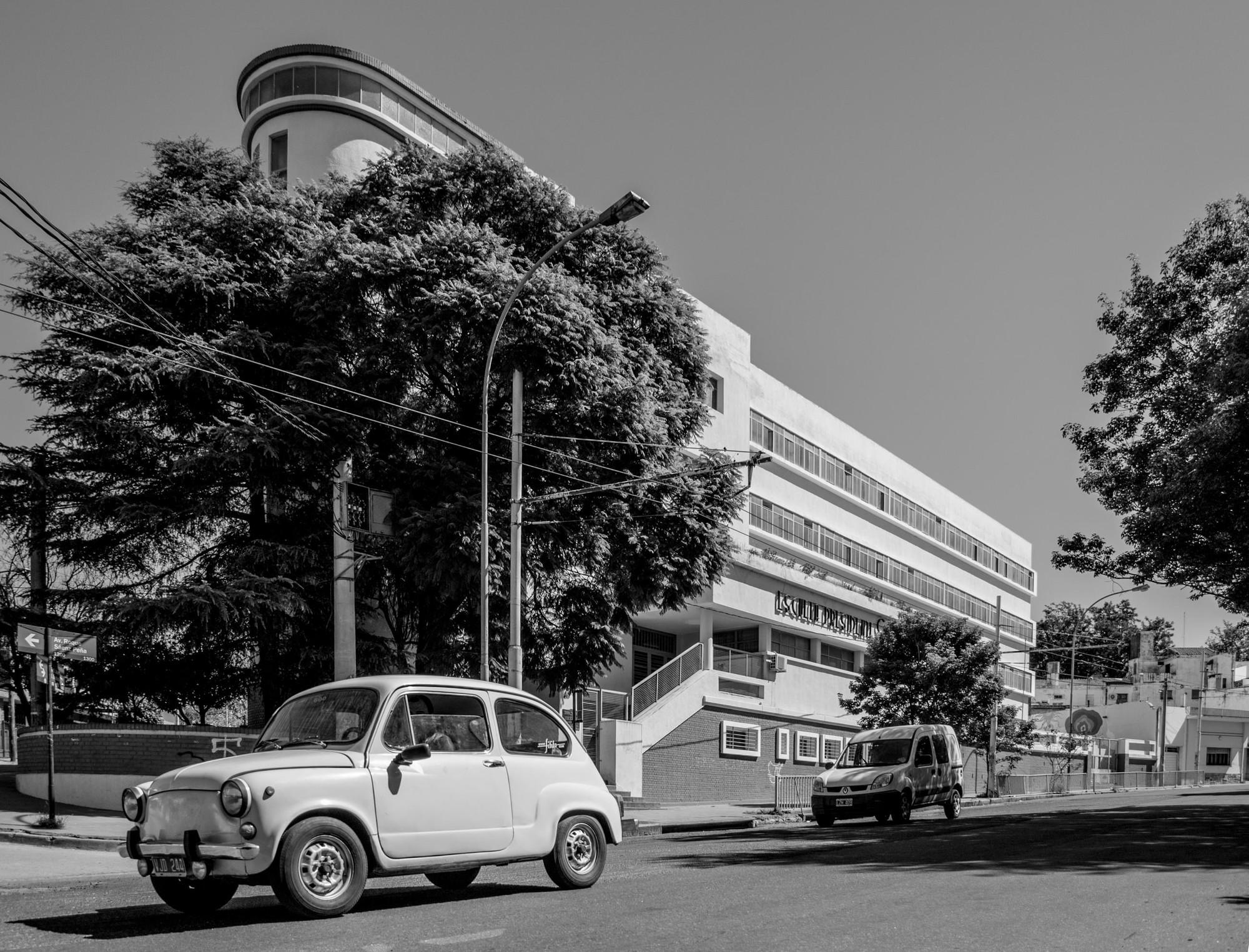Clásicos de Arquitectura: Escuela Presidente Sarmiento / Nicolás Juárez Cáceres, © Arq. Gonzalo Viramonte