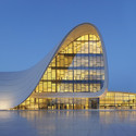 Heydar Aliyev Center / Zaha Hadid Architects. Image © Hufton+Crow