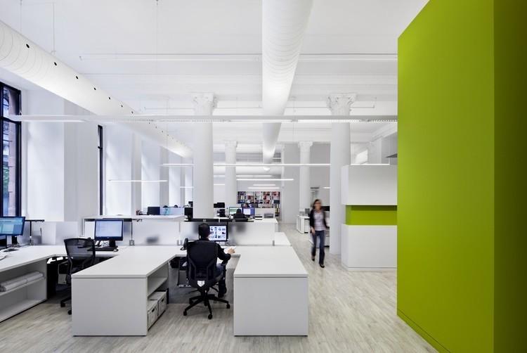 Bureau 100 / NFOE et Associés Architectes . Image © Stéphane Brügger