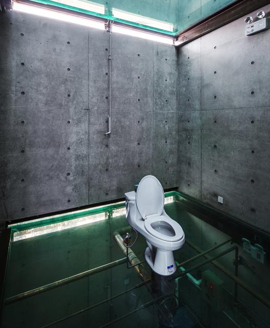 Vertical Glass House / Atelier FCJZ . Image Cortesía de Atelier FCJZ