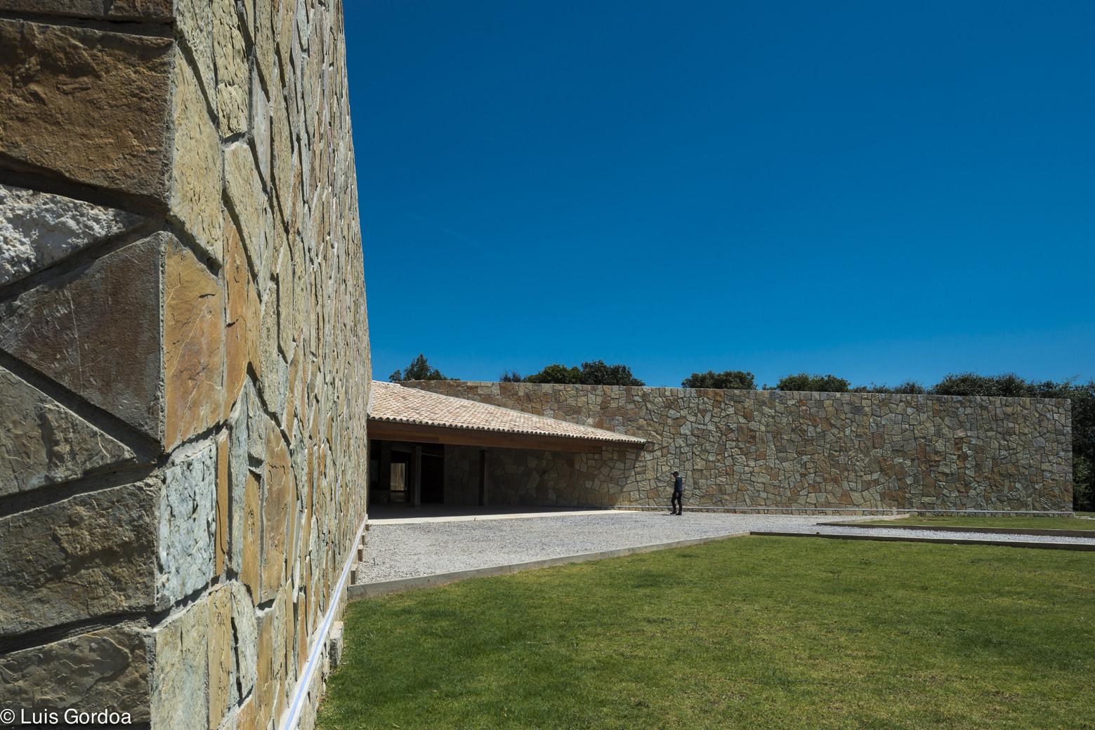 Gallery of casa puerto del aire extracto arte for Arquitectura o diseno industrial