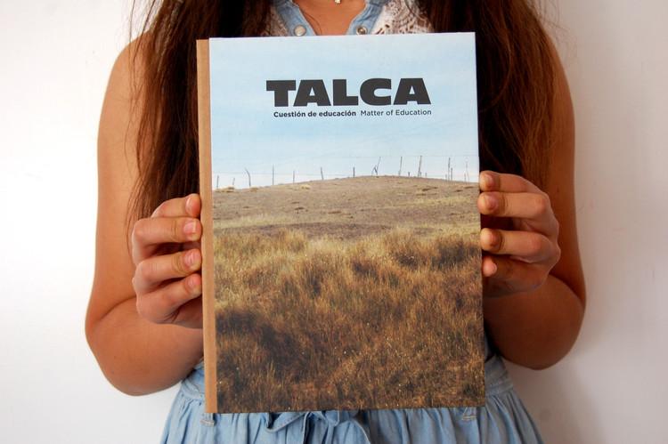 """Portada libro """"Talca, Cuestión de Educación"""", 2013. Image © José Luis Uribe"""