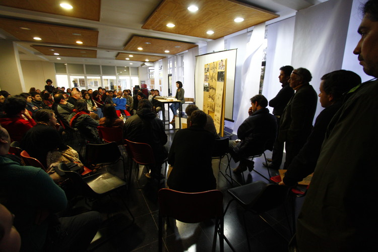 Semana de críticas, 2013. Image © Hector Labarca Rocco