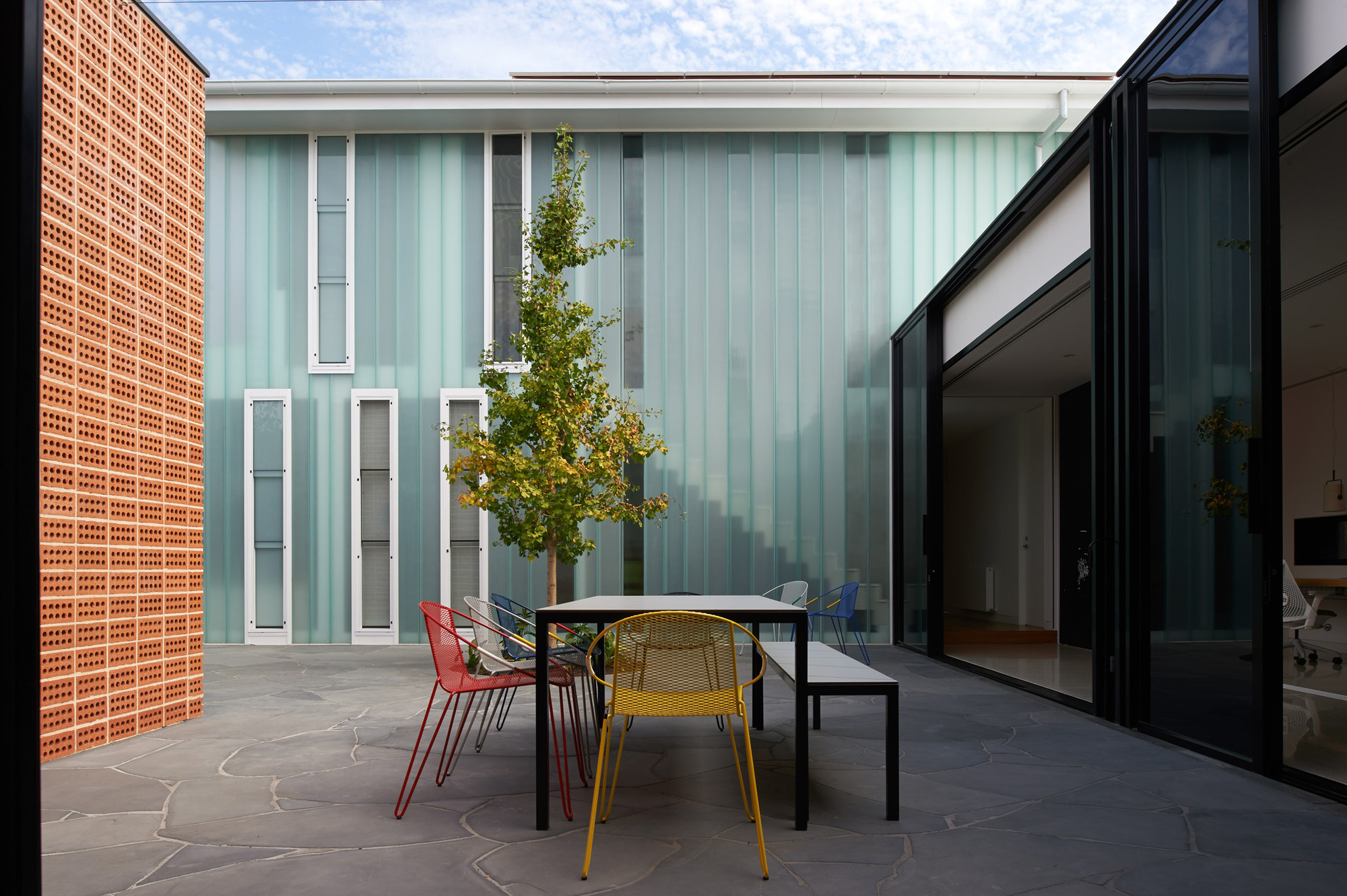 Three Parts House / Architects EAT, © Earl Carter