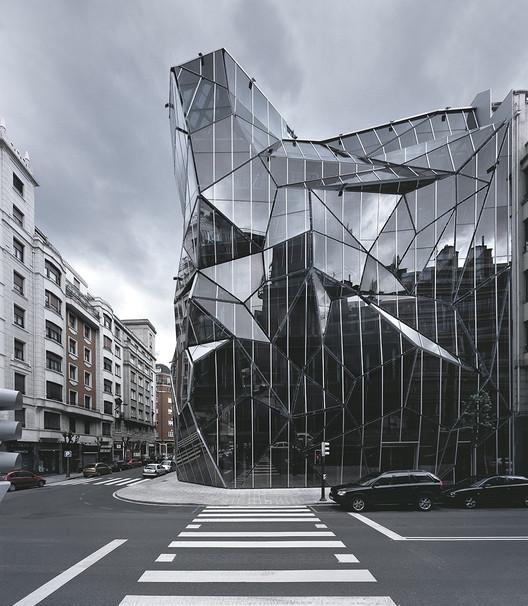 Courtesy of Coll-Barreu Arquitectos