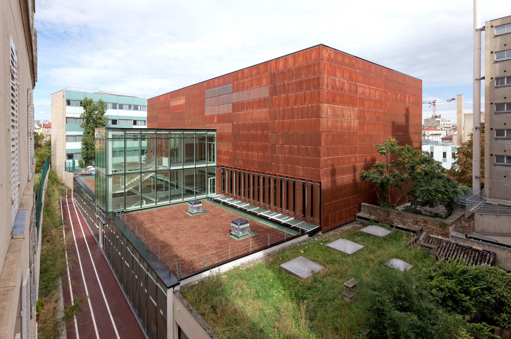 241 sports center hector berlioz dietmar feichtinger for Architectes de france