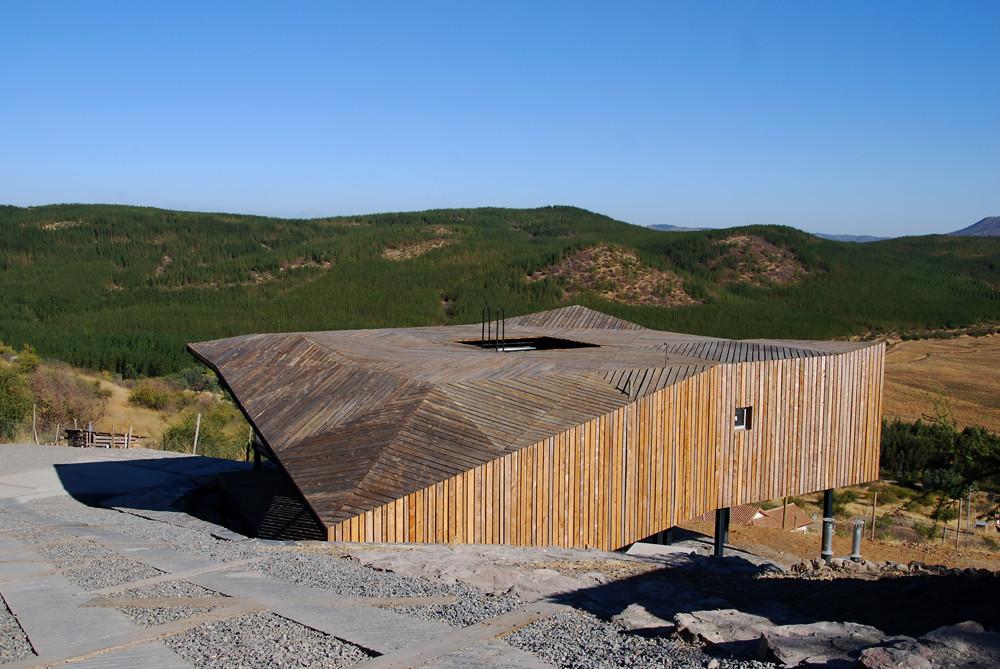 Kiltro House; Talca, Pencahue, Chile / Juan Pablo Corvalan