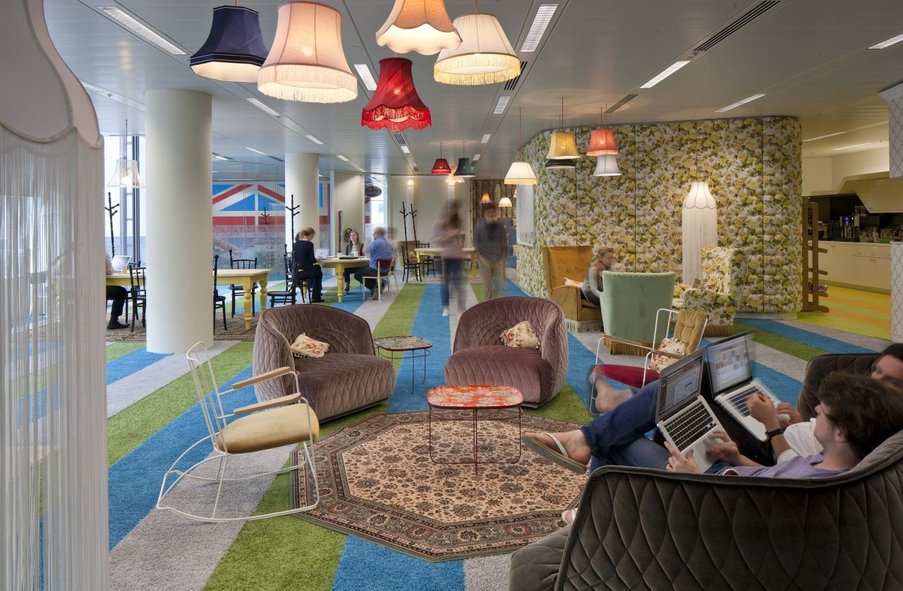 "From ""Cube Farm"" to Fun: The Five Office Designs of the 20th Century, Google's Super HQ Office in London. Image Courtesy of PENSON"