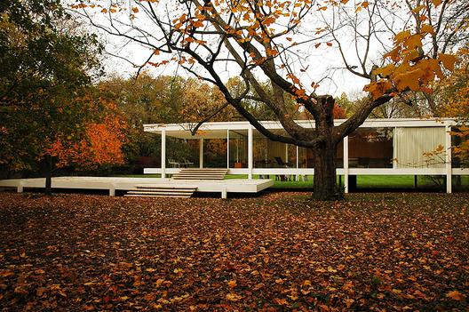 La Casa Farnsworth de Mies van der Rohe. Imagen © Greg Robbins
