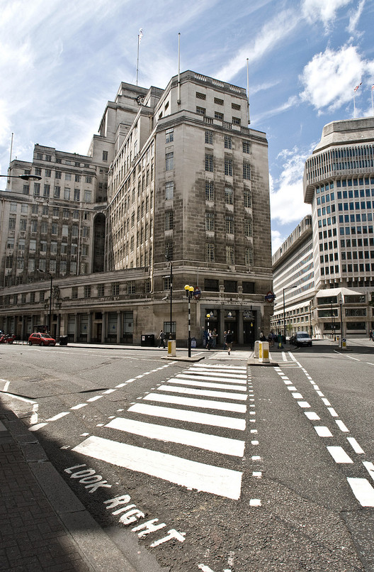 TateHindle Wins Competition to Transform London Underground HQ, The London Underground Headquarters at 55 Broadway. Image © Flickr CC USer Chris Guy