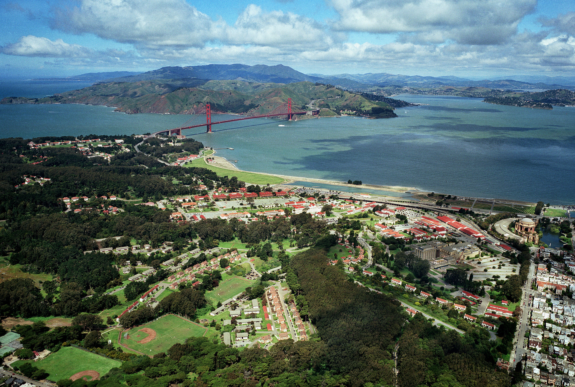 Presidio Trust Enlists 5 to Envision New Schemes for Crissy Field, Presidio From Southeast. Image © Robert Campbell