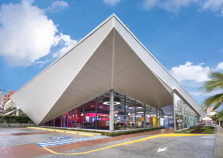 Supermercado De Candido Express / NMD l NOMADAS, © Luis Ontiveros