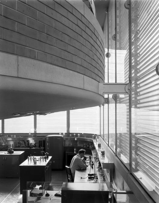 Vista de los espacios de doble altura de los laboratorios. Image © SC Johnson