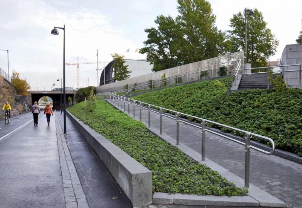 Baana, corredor para ciclistas y peatones / Departamento de Planificación Urbana de Helsinki. Imagen Cortesía de CCCB