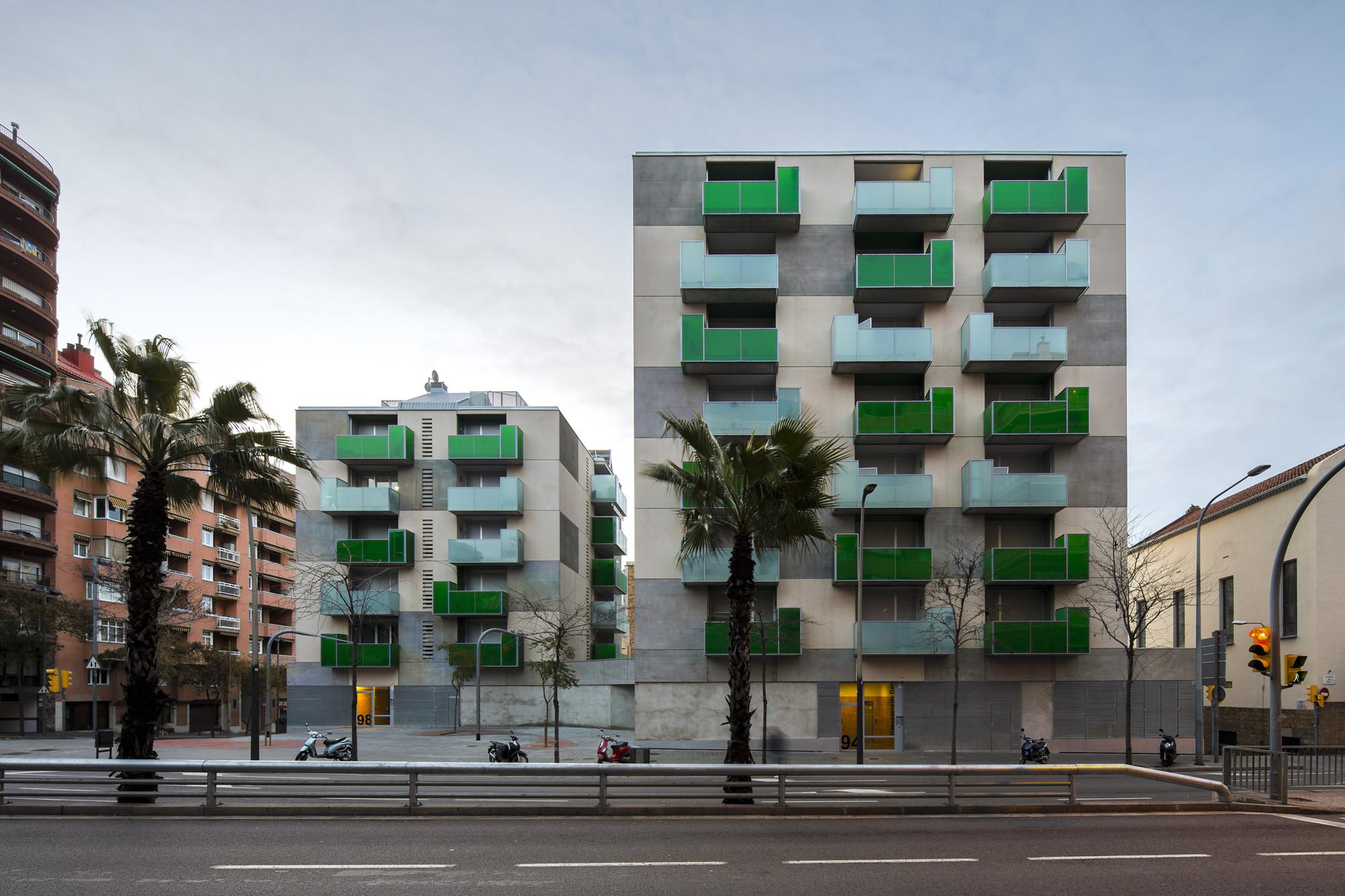 """""""Santa Madrona"""". 62 Social Dwellings / Pich-Aguilera Architects, © Simon García"""