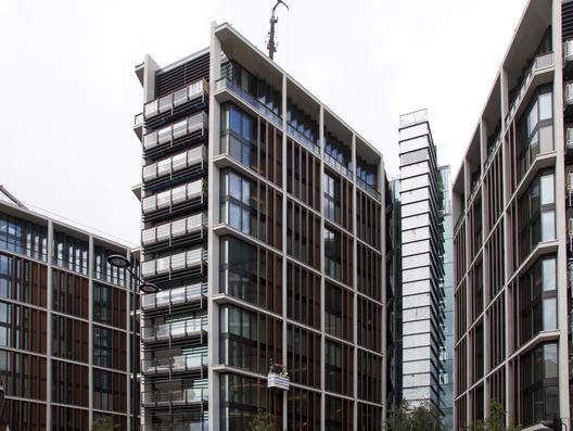 Vista de One Hyde Park en Londres. Image © Tony Hisgett [Wikipedia]