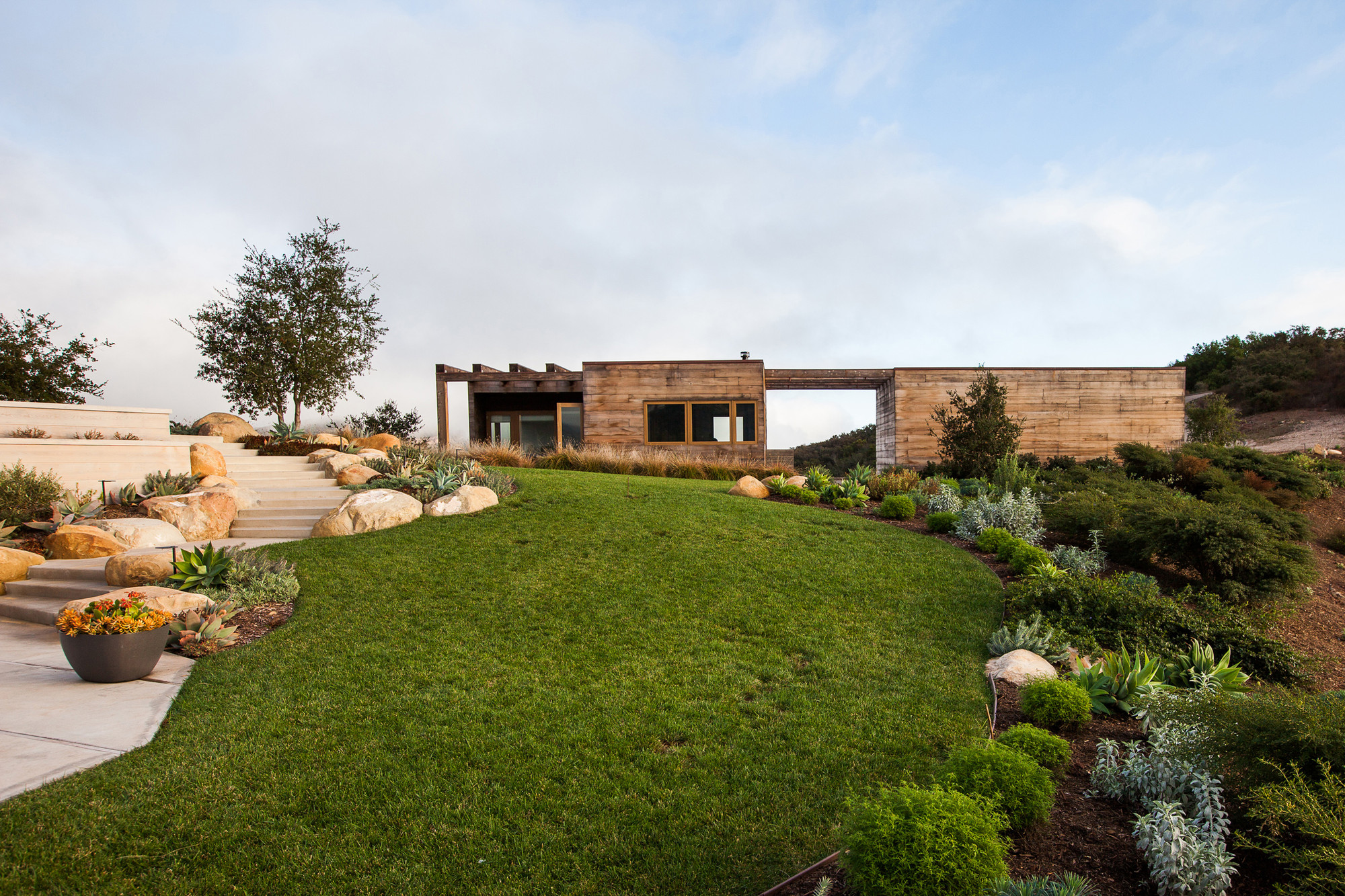 Toro Canyon House  / Bestor Architecture, © Laure Joliet