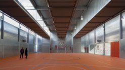 Sports Hall at C.P. Pablo Iglesias / Planta 33 Arquitectura