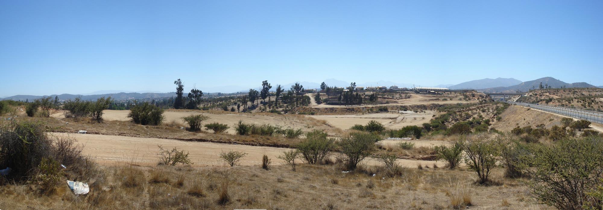 Futuro emplazamiento del Parque Deportivo Villa Alemana. Image Courtesy of Huérfanos Arquitectos