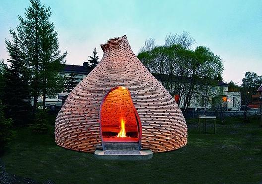 Haugen/Zohar, Fireplace for Children, Trondheim, Noruega. Imagem © Haugen/Zohar Arkitekter/TASCHEN