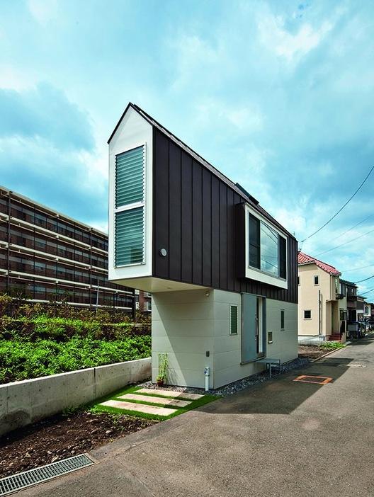 Kota Mizuishi, Riverside House Suginami, Tóquio, Japão. Imagem © Hiroshi Tanigawa/TASCHEN