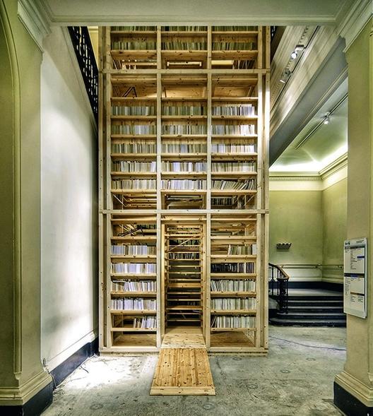 Rintala Eggertsson, Ark Booktower, Victoria & Albert Museum, Londres, Reino Unido. Imagem © Rintala Eggertsson, fotografia por Pasi Aalto/TASCHEN