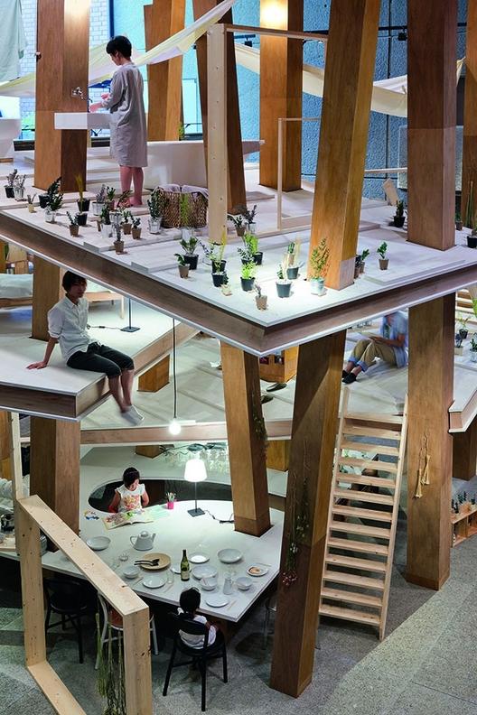 Grandes ideias, pequenos edifícios: alguns dos melhores pequenos projetos de arquitetura, Suzuko Yamada, Pillar House, Tóquio, Japão. Imagem © Iwan Baan/TASCHEN