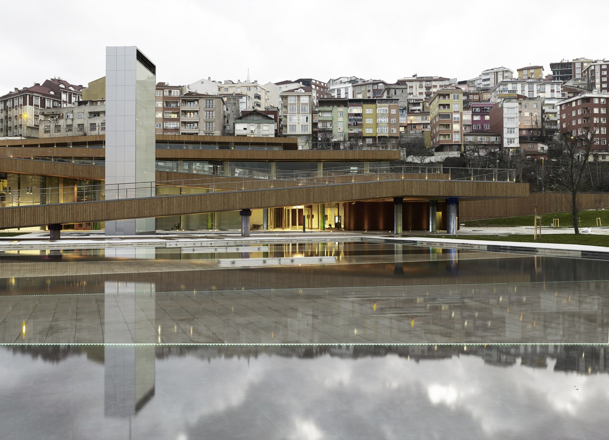 Eyüp Cultural Center and Marrıage Hall / Emre Arolat Architects, © Cemal Emden