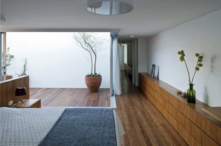 Casa Patio / AR Arquitetos, © Leonardo Finotti