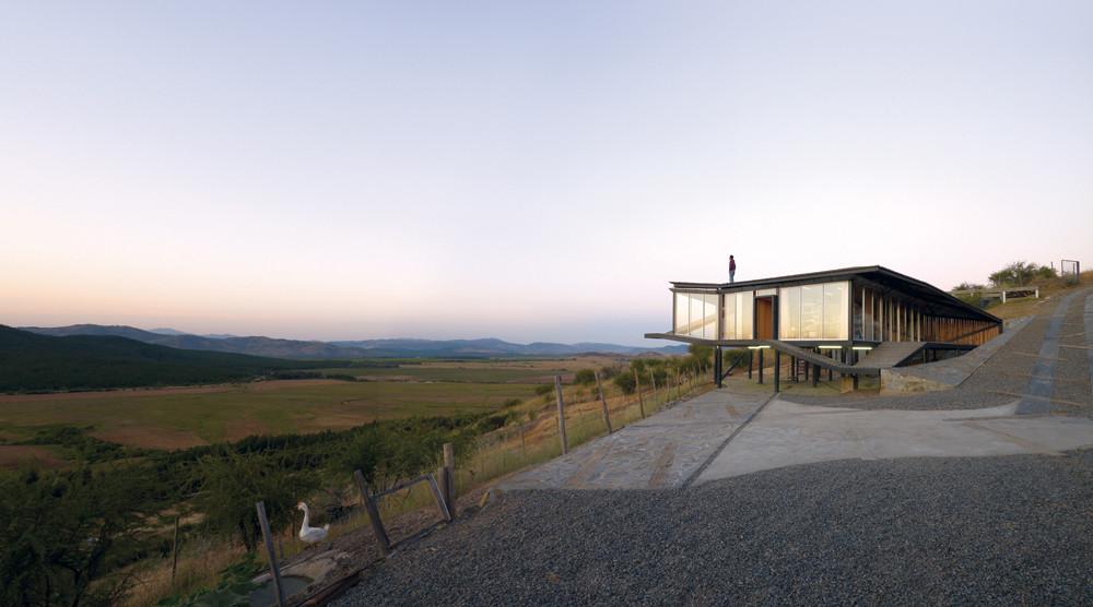 Kiltro House; Talca, Pencahue, Chile / Juan Pablo Corvalan. Image © Cristobal Palma / Estudio Palma