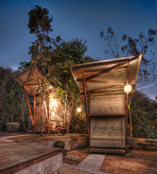 TYIN tegnestue Releases Downloadable Guide to Design/Build in Underprivileged Areas, Soe Ker Tie House in Thailand. Image © Pasi Aalto
