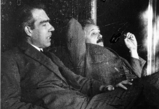 Niels Bohr & Albert Einstein, Photo by Paul Ehrenfest (1925), Courtesy AIP Emilio Segre Visual Archives