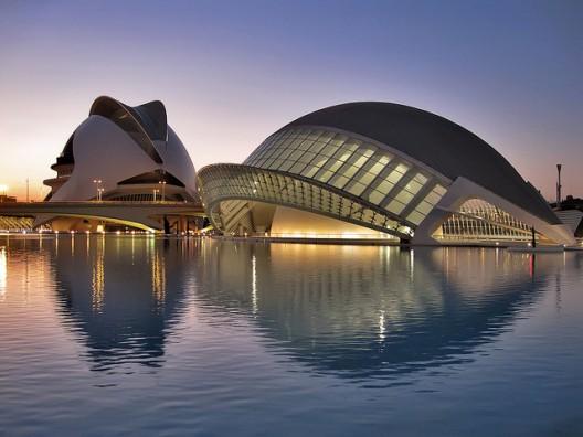 Justicia española obliga a suprimir web contra Calatrava, Ciudad de las Artes y las Ciencias, Valencia.. Image © Flickr user FromtheNorth