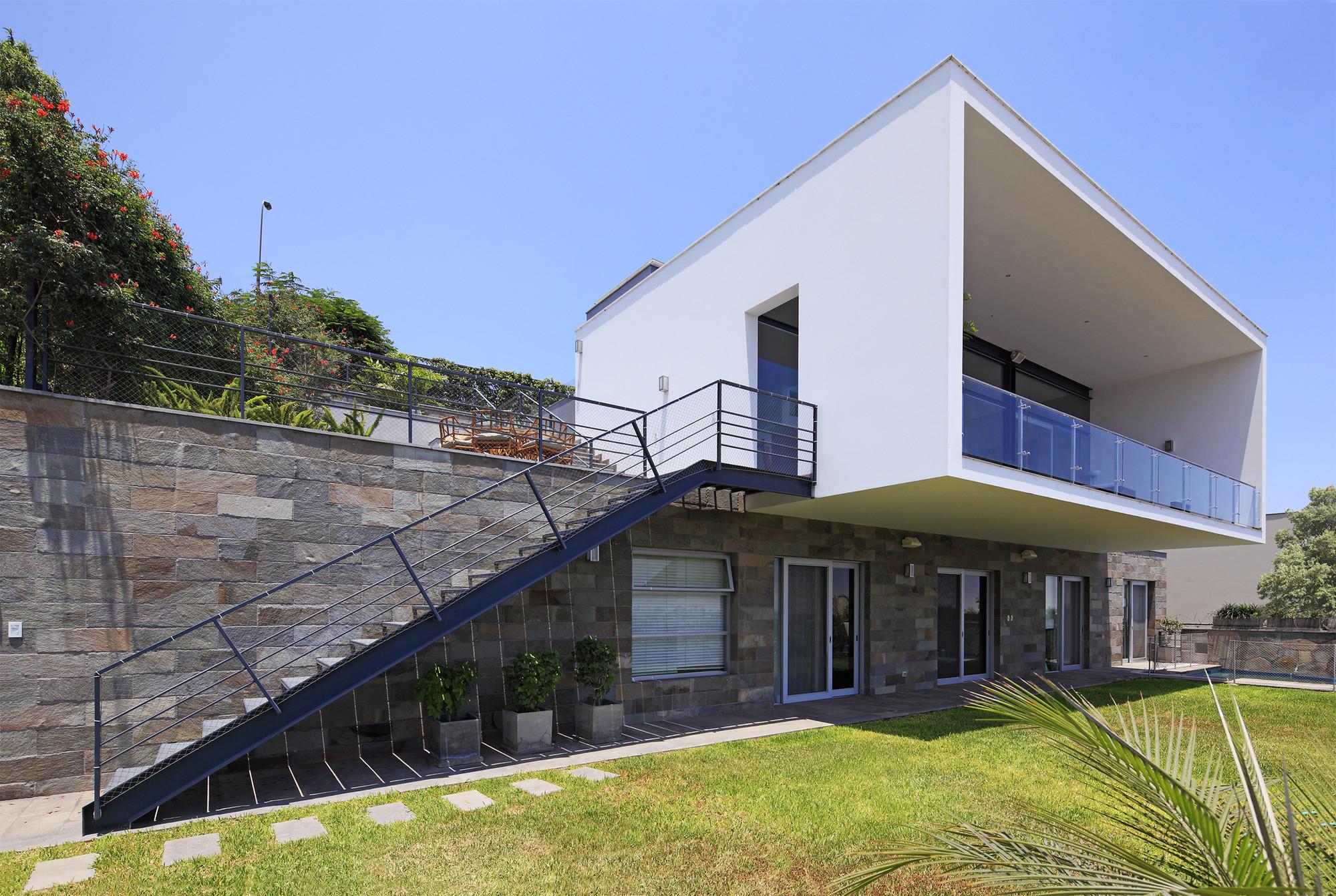 Galeria de casa b domenack arquitectos 1 for Arquitectos para casas