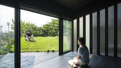 Grass Cave House / Makiko Tsukada Architects