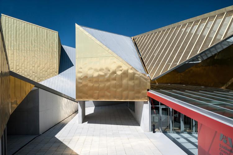 """""""L'Atlàntida"""", Centro De Artes Escénicas de Osona,  Complejo Cultural Municipal en Vic.  / UTE Llinàs-Llobet-Ayesta-Vives, © Filippo Poli"""