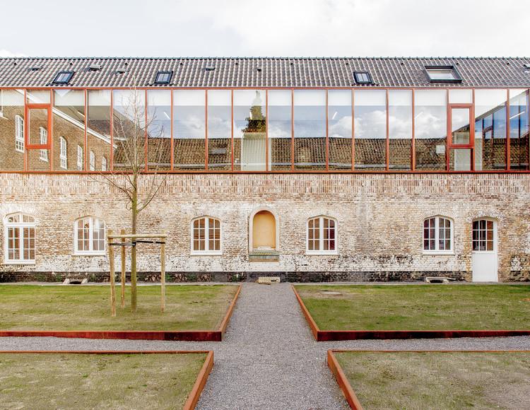 Conversión de Capilla Clarenhof / a2o architecten, Cortesía de a2o architecten