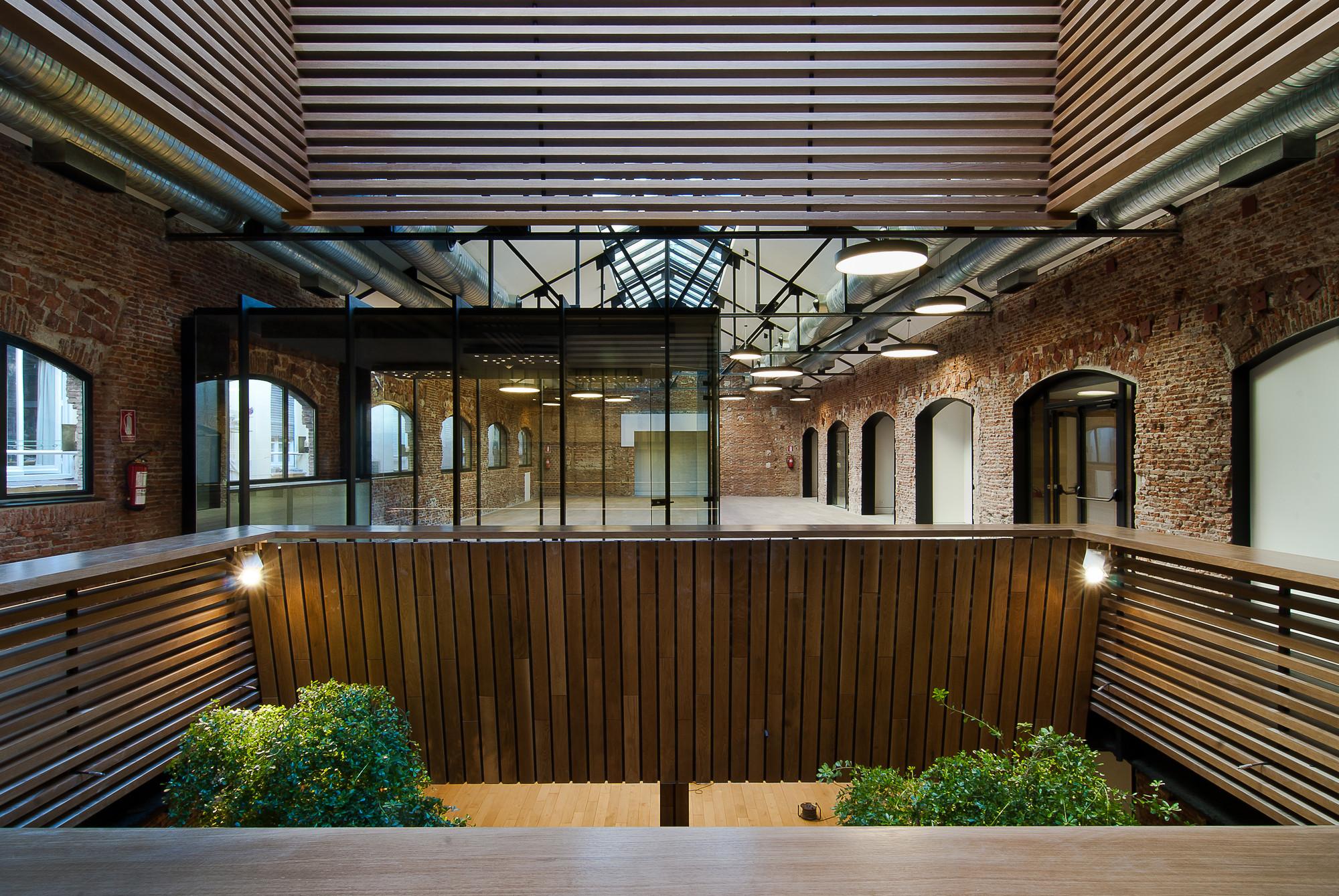 Arquitectura de oficinas tag archdaily m xico for Arquitectura de oficinas