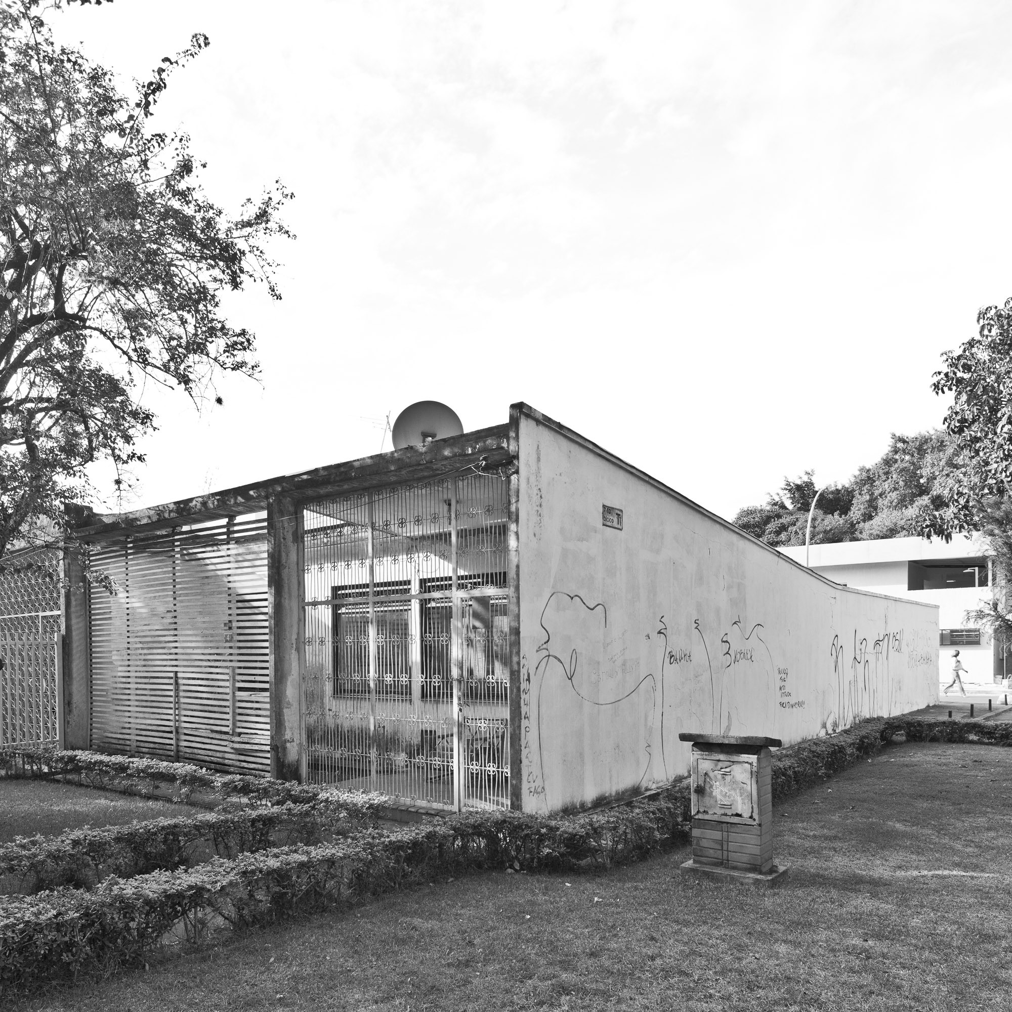 Casas Geminadas en Brasília Casa dos Arcos © Joana França