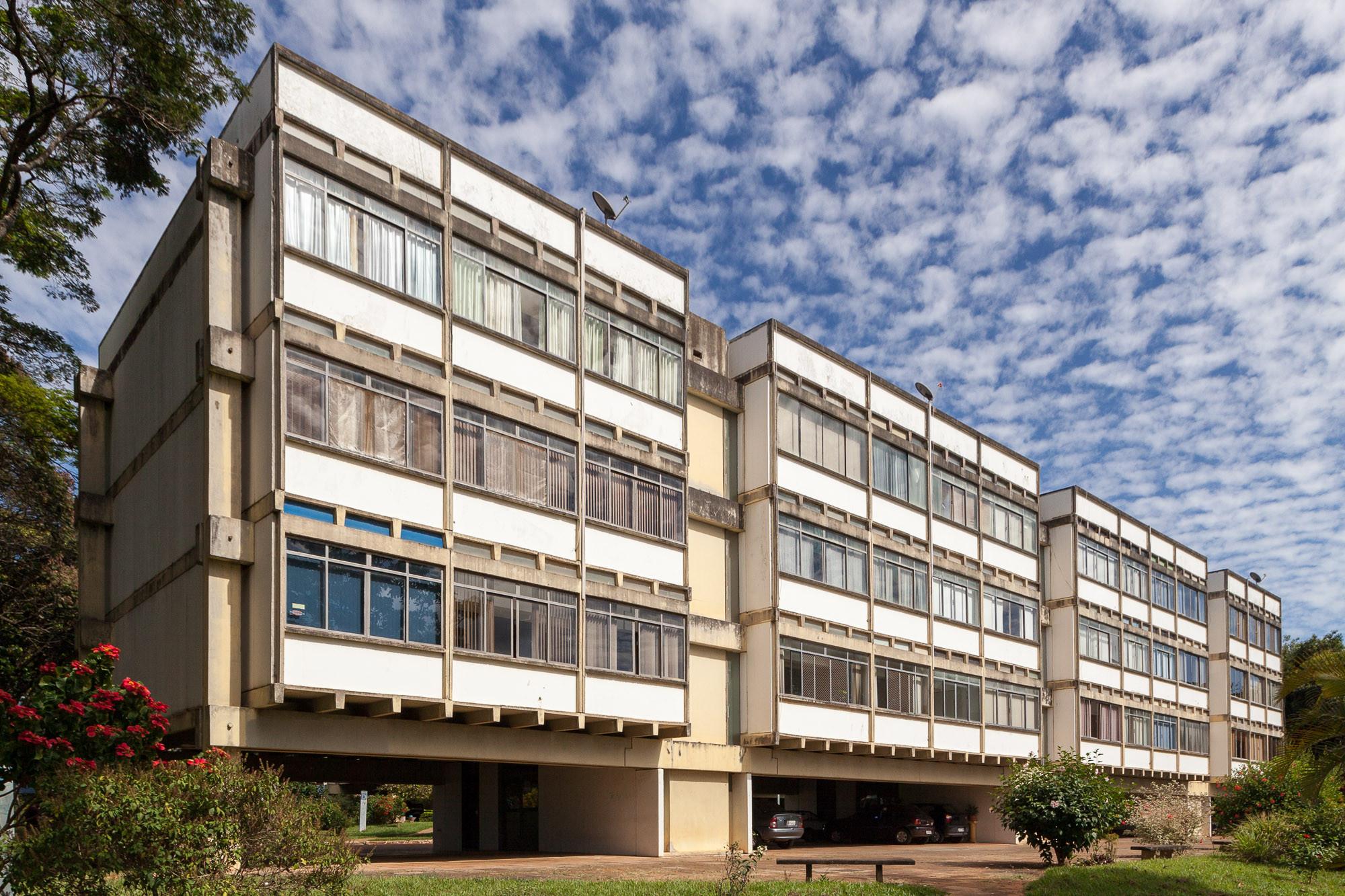 Edifício de Apartamentos dos Profesores UnB © Joana França