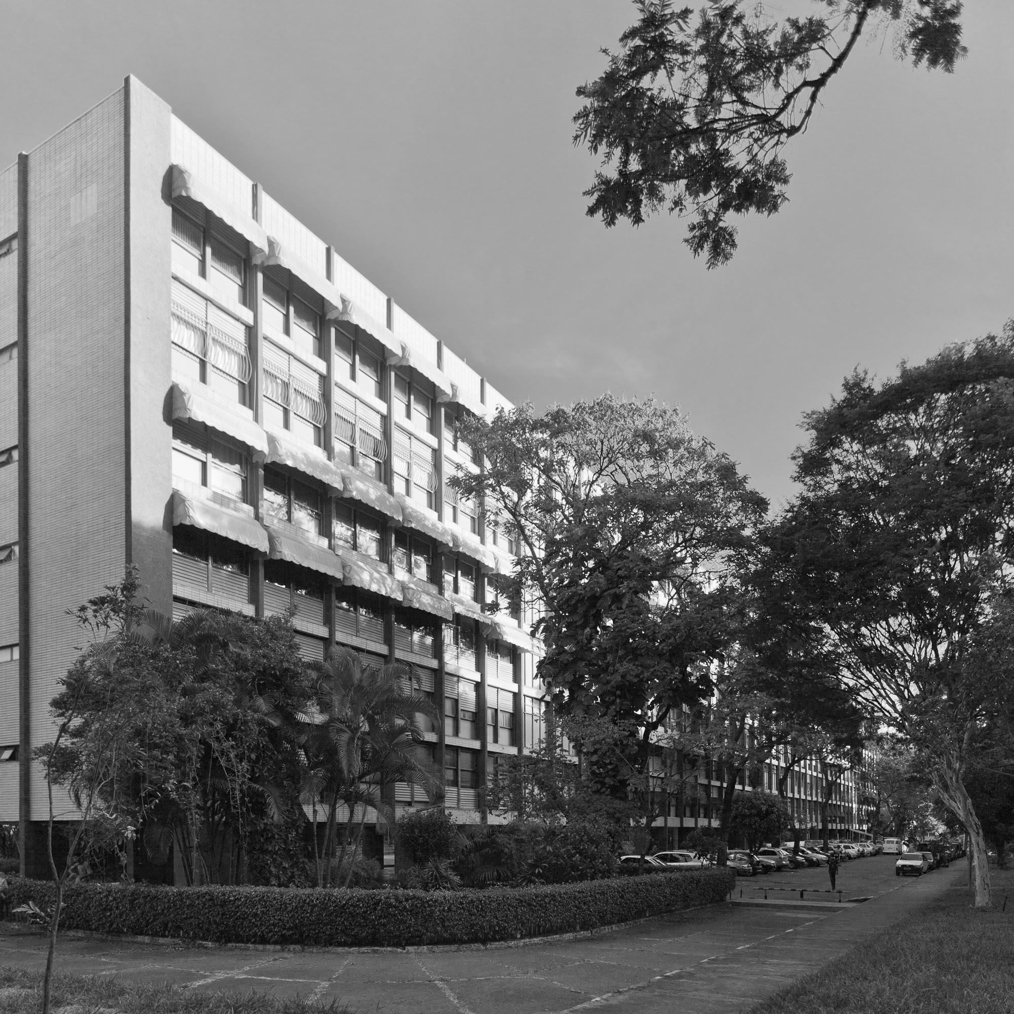 Edificio Residencial SQS 109 © Joana França