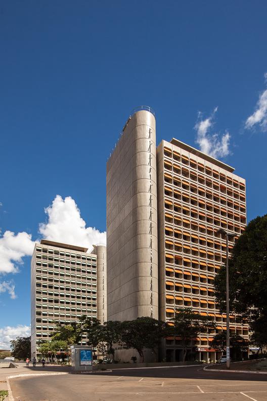 Edificios Morro Vermelho e Camargo Corrêa © Joana França