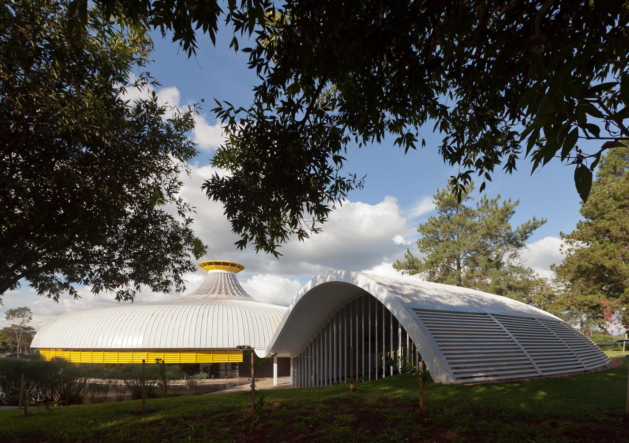 Memorial Darcy Ribeiro - Beijódromo © Joana França
