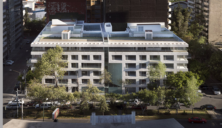 Condominio de Apartamentos Meridiano Residencial / Serrano Arquitectos y Asociados S.C, © Jaime Navarro