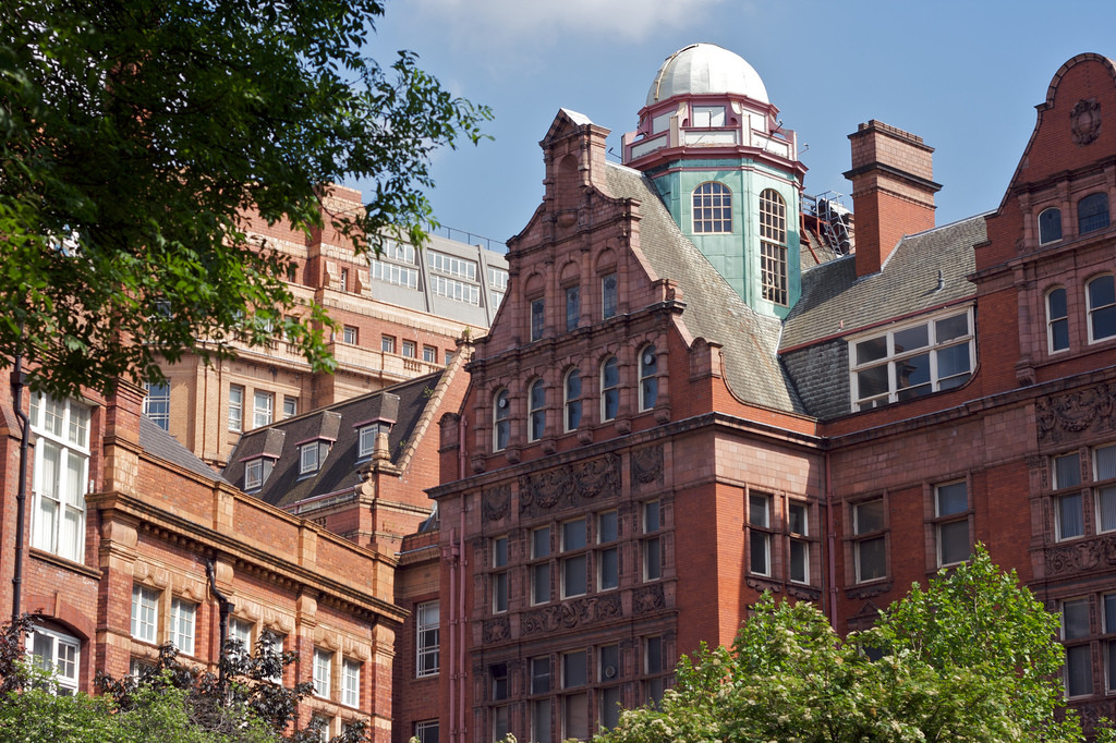 Mecanoo Selected for New Manchester University Building, The University's existing Technology building, located at Sackville Street. Image © Flickr CC User Pete Birkinshaw